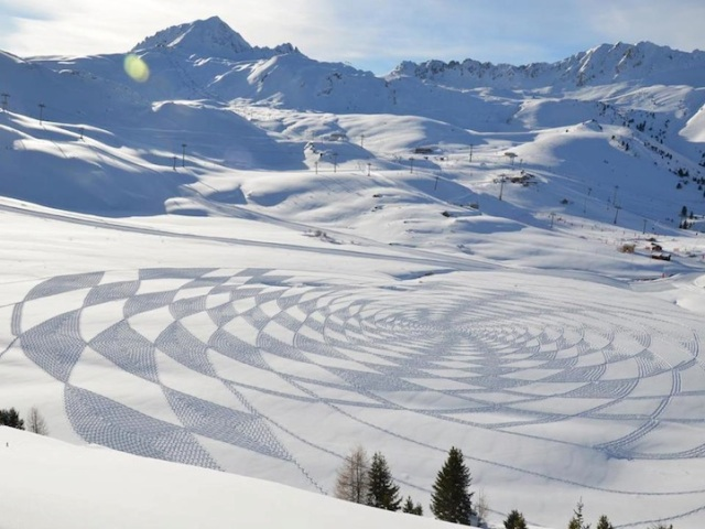 Trampled Snow Art Simon Beck 3