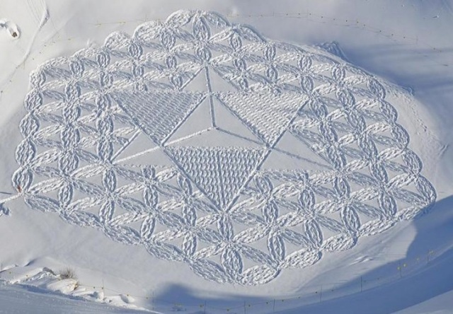Trampled Snow Art Simon Beck 7