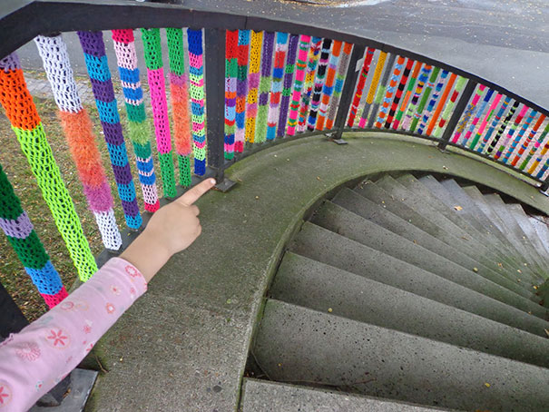 yarn bombing knitting world 11