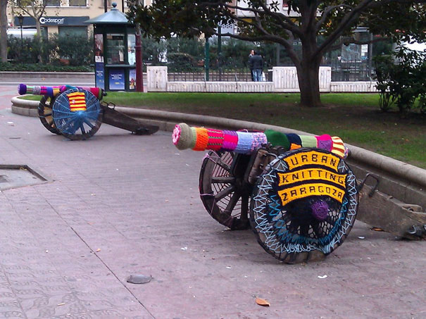 yarn bombing knitting world 15