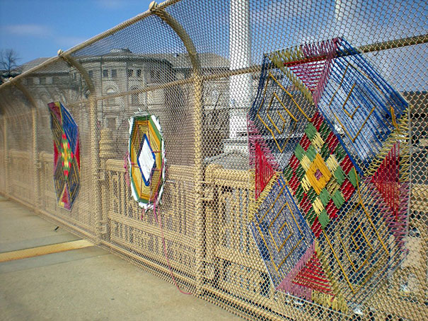 yarn bombing knitting world 2