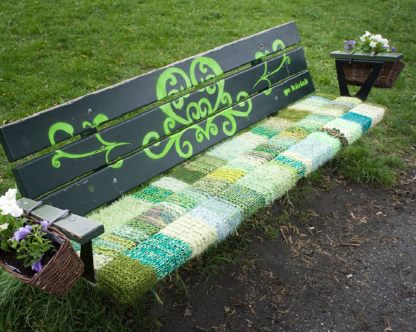 yarn bombing knitting world 24
