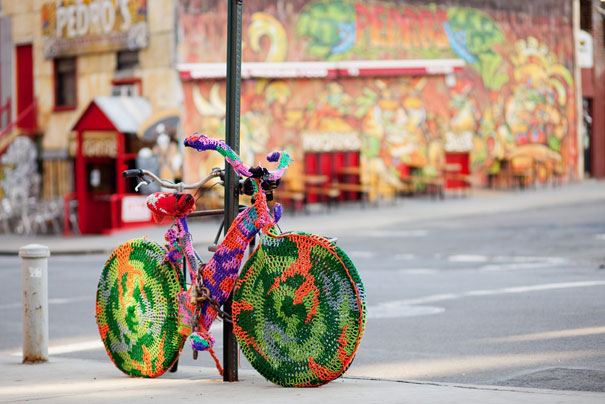 yarn bombing knitting world