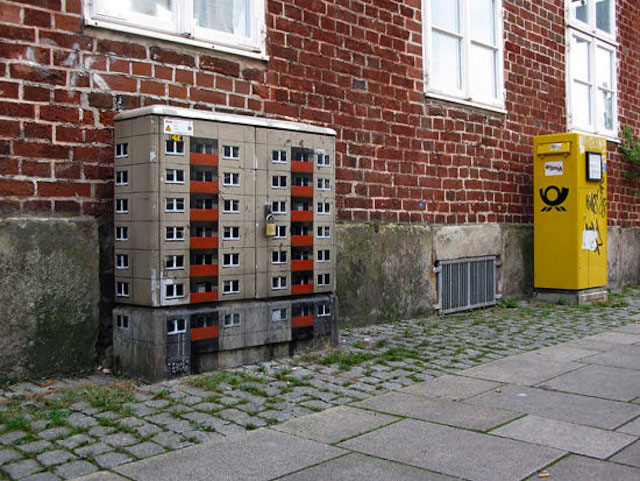 miniature apartment buildings in Berlin Evol 13