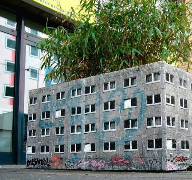 miniature apartment buildings in Berlin Evol 5
