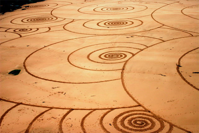 Sand Drawings  Tony Plant 2