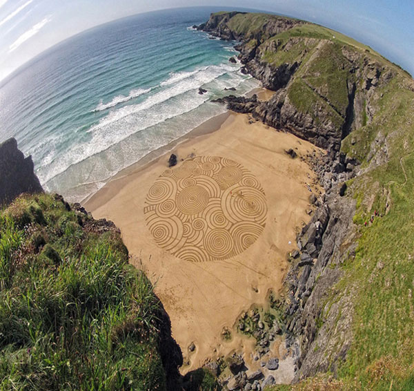 Sand Drawings  Tony Plant 4