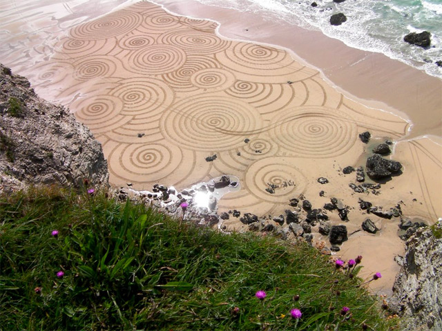 Sand Drawings  Tony Plant 8