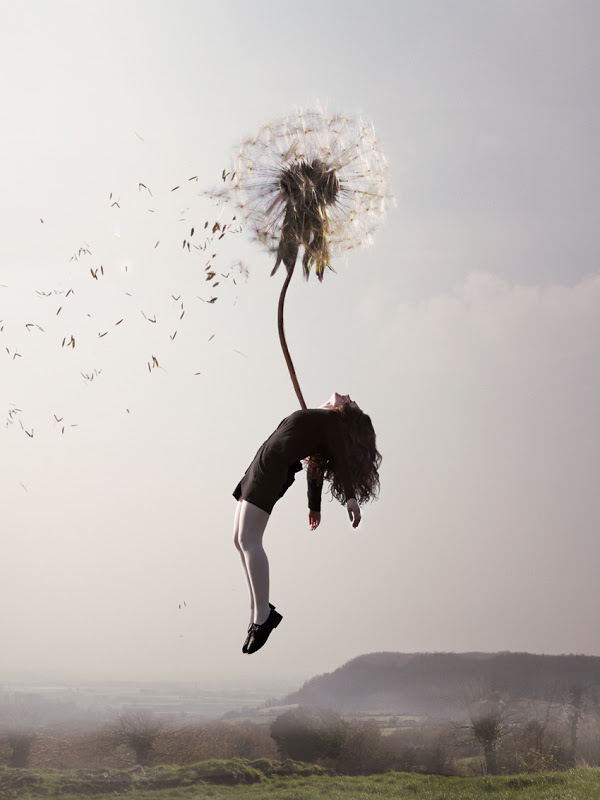 women suspended Maia Flore 3