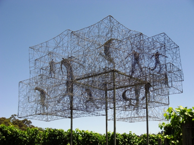 Urbanised wire sculptures Barbara Licha 10