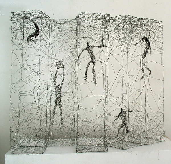 Urbanised wire sculptures Barbara Licha 2
