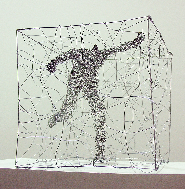 Urbanised wire sculptures Barbara Licha 3