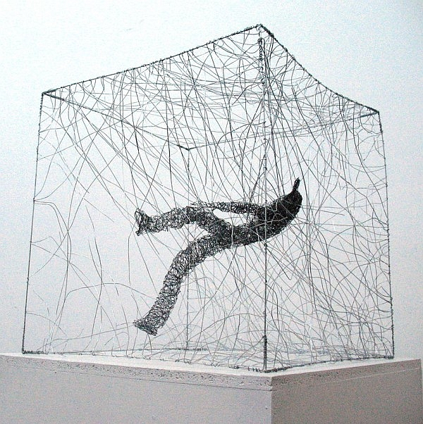 Urbanised wire sculptures Barbara Licha 4