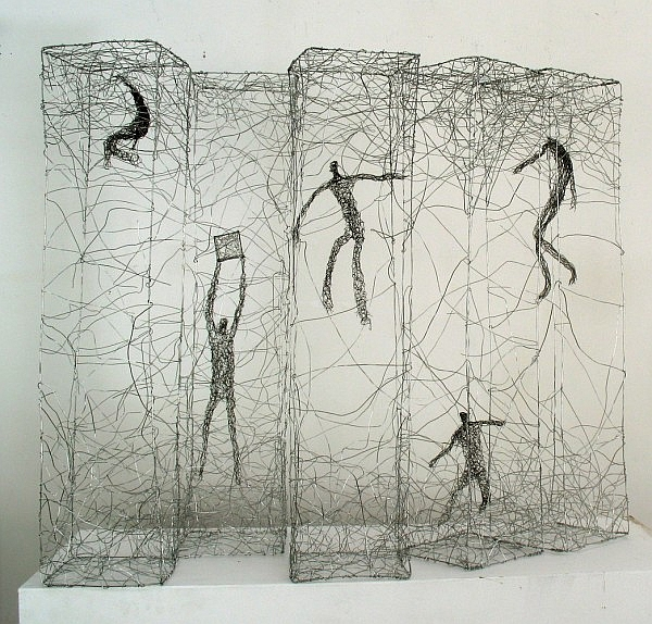 Urbanised wire sculptures Barbara Licha 7