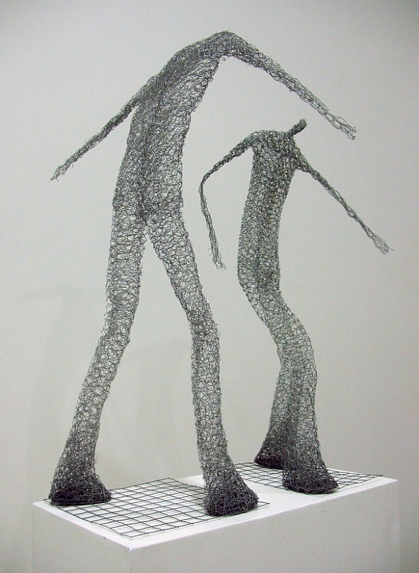 Urbanised wire sculptures Barbara Licha 9