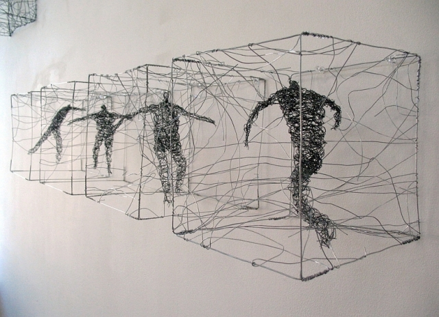 Urbanised wire sculptures Barbara Licha