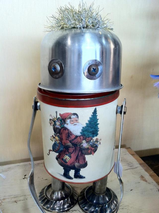 funny characters made with metal object Thomas Shelton 24