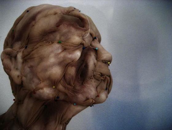 Rosa-Verloop-Sculture-antropomorfe-realizzate-in-nylon8-560x425