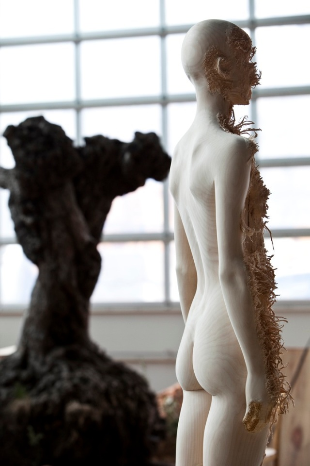 the tainted sculptures Aron  Demetz 11