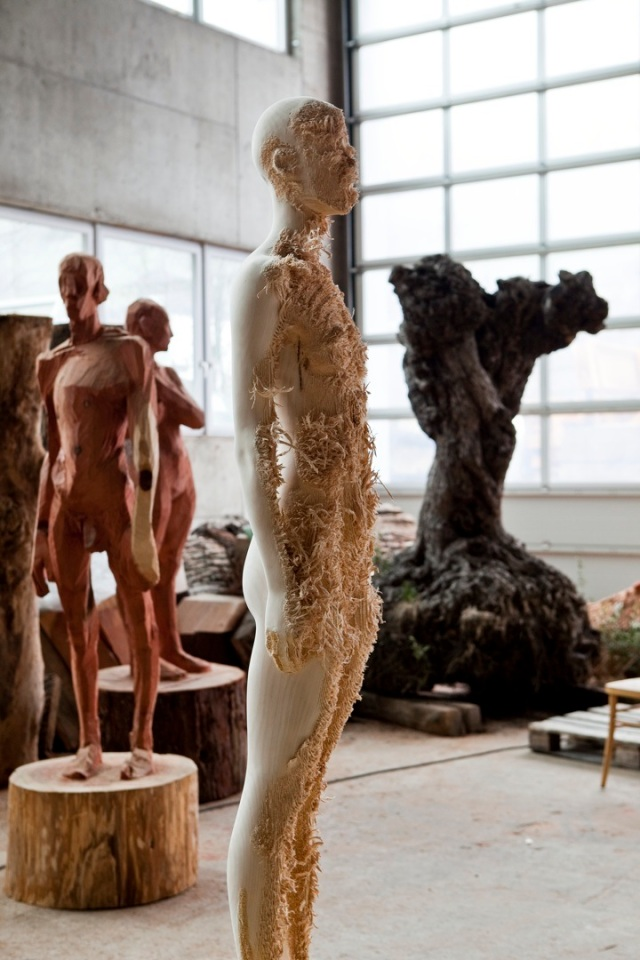 the tainted sculptures Aron  Demetz 12