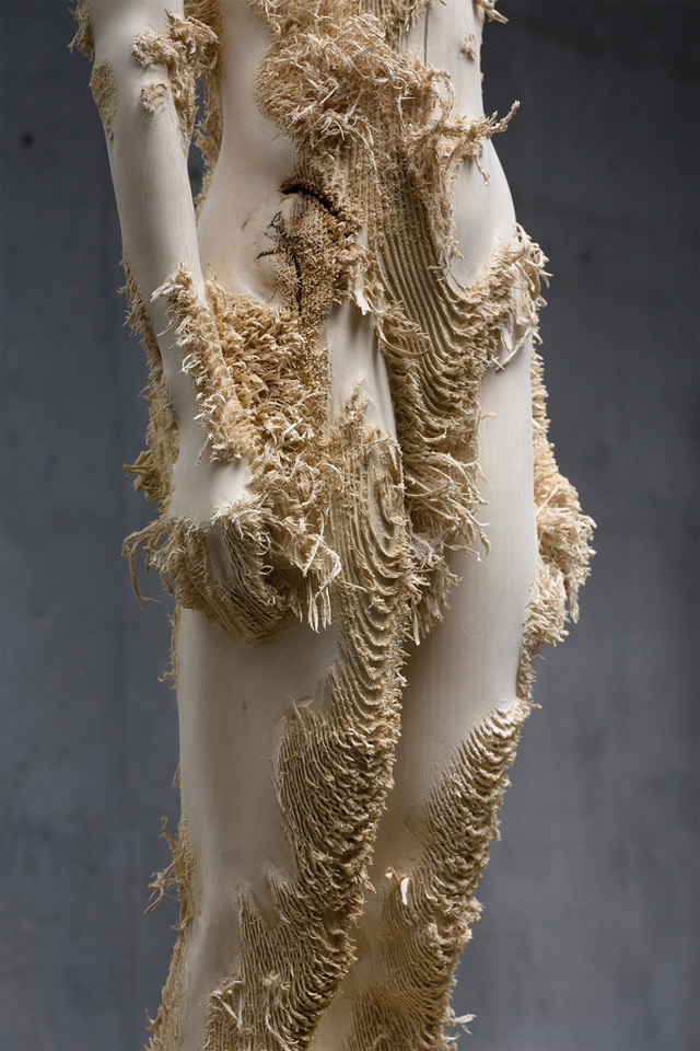 the tainted sculptures Aron  Demetz 14