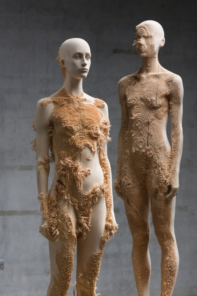 the tainted sculptures Aron Demetz 2