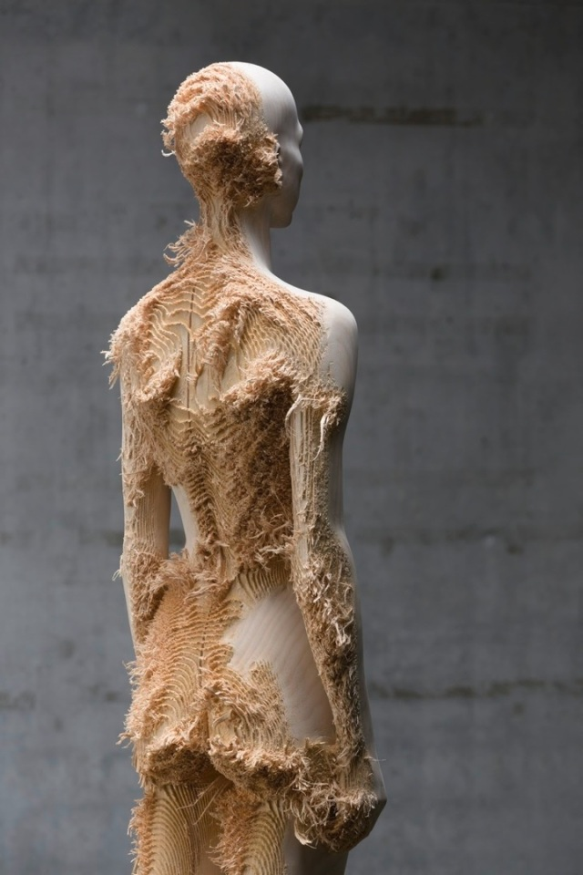 the tainted sculptures Aron Demetz 4