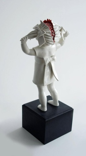 bloody ceramic sculptures Maria Rubinke 2
