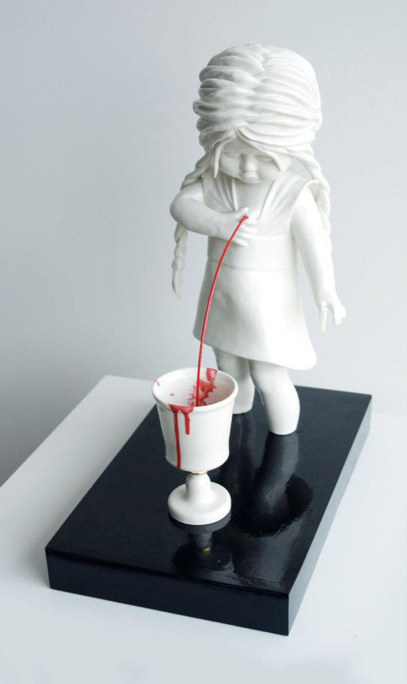 bloody ceramic sculptures Maria Rubinke 7