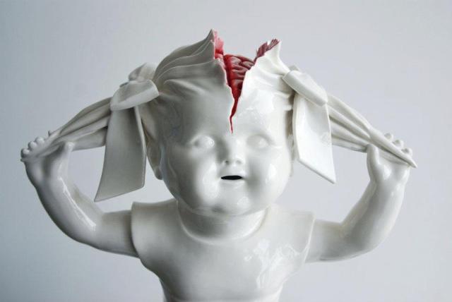 bloody ceramic sculptures Maria Rubinke