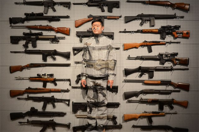 invisible man Liu Bolin 7