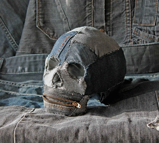 Plastic skulls franco reyes 2