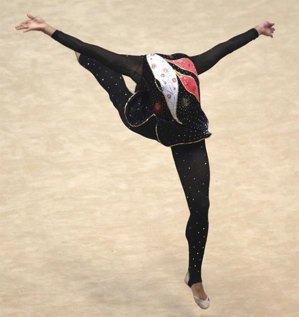 headless gymnasts illusions 6