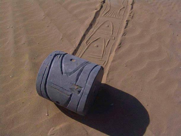 Ahmad Nadalian Sand Print 16