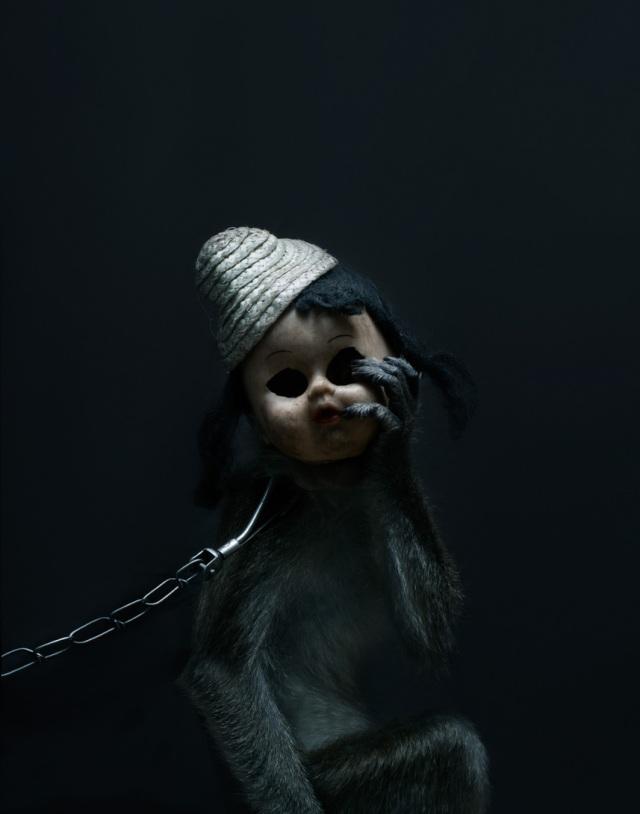 haunting monkeys with doll heads Pertu Saksa 13