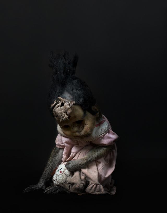 haunting monkeys with doll heads Pertu Saksa 14