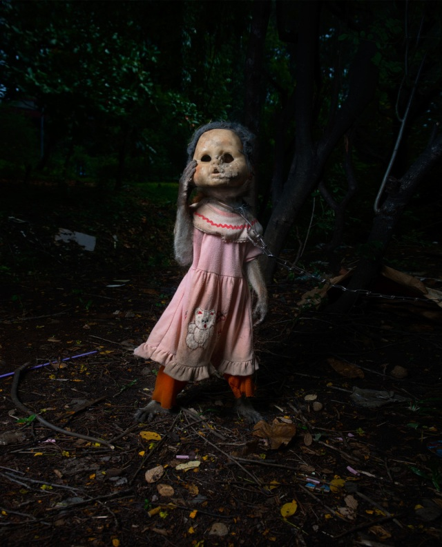 haunting monkeys with doll heads Pertu Saksa 15