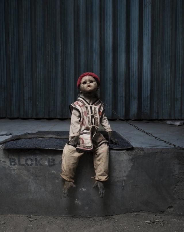 haunting monkeys with doll heads Pertu Saksa 5