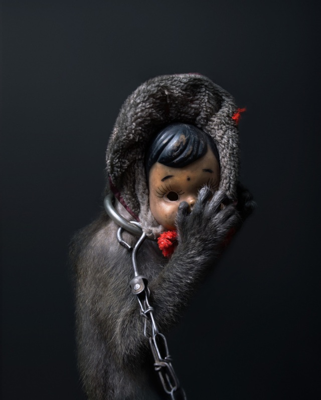 haunting monkeys with doll heads Pertu Saksa 9
