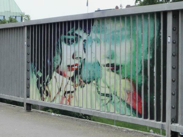 zebrating street art Anamorphic 4
