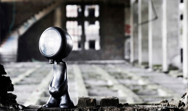URBAN LIGHTS – BETWEEN LAMPS AND ART TOYS NANAN 12
