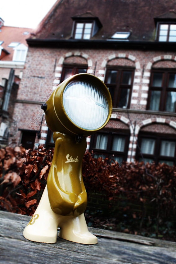 URBAN LIGHTS – BETWEEN LAMPS AND ART TOYS NANAN 26