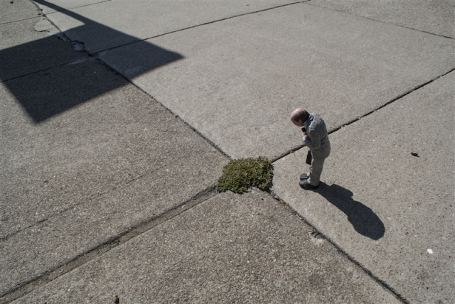 Fascinating Miniature World Isaac Cordal 9