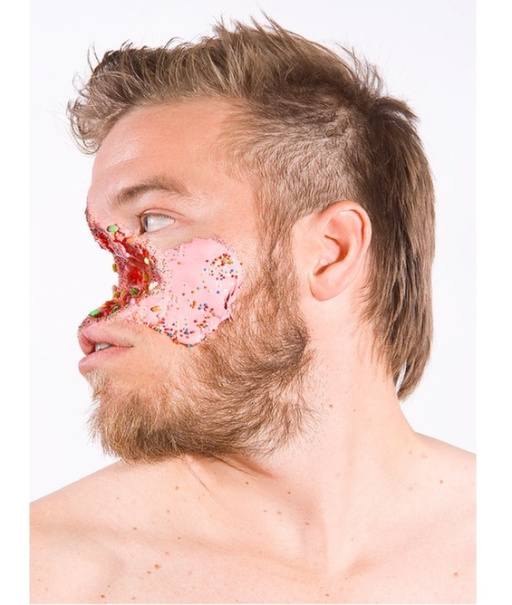 Ashkan Honarvar Grotesque facial injuries made ​​with candy and ice cream 2