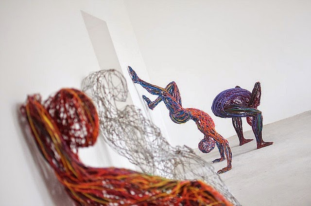 Judit Rabóczky human figures constructed from reused electrical cables 3