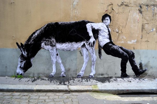 the urban theater Levalet 3