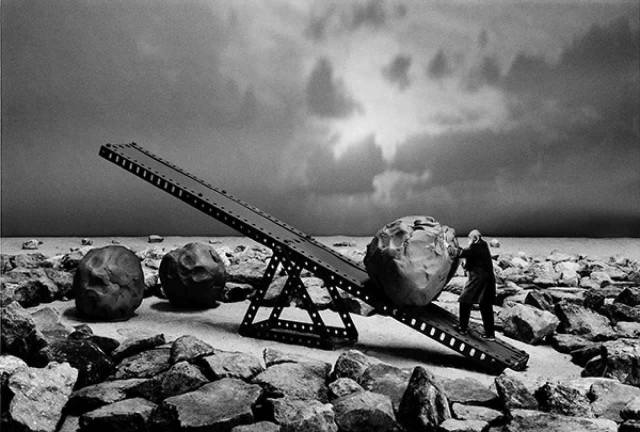 Gilbert Garcin surrealism in black and white 14