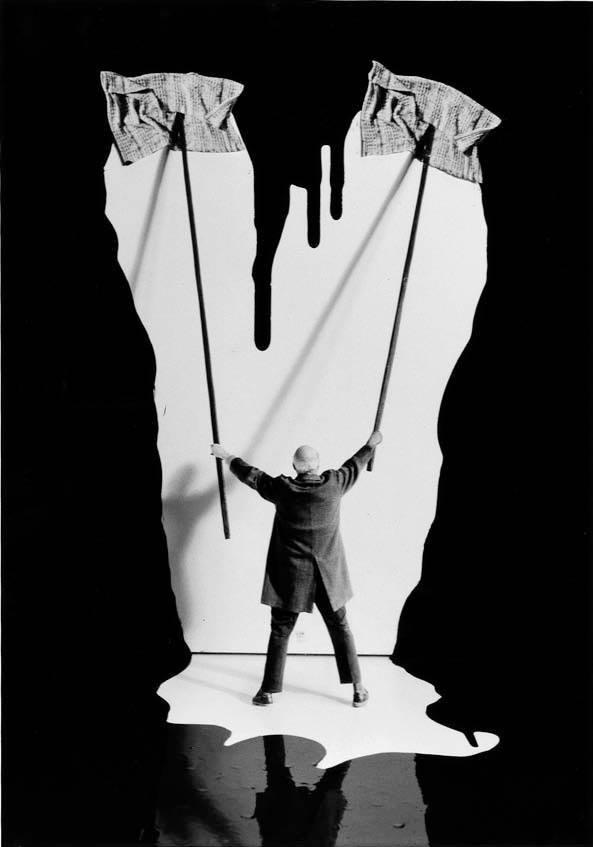 Gilbert Garcin surrealism in black and white 4
