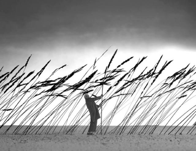 Gilbert Garcin surrealism in black and white 8
