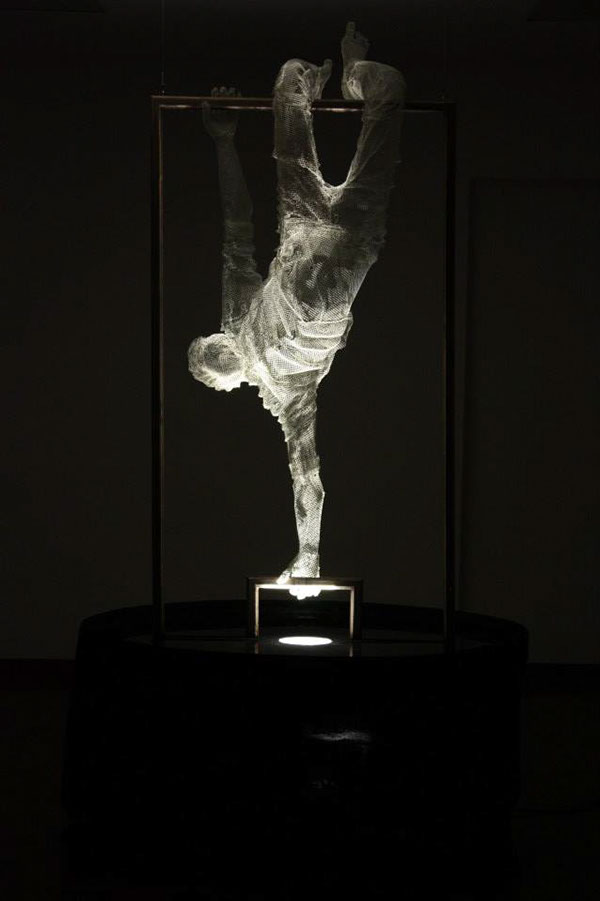 meticulous wire sculptures  edoardo tresoldi 15